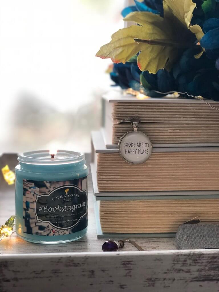 Shopping for a book lover? Then be sure to check out this gift guide - it's a great starting point.